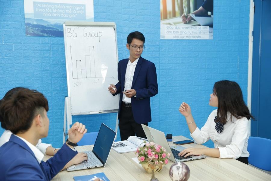 khả năng truyền tải thông tin giám đốc điều hành